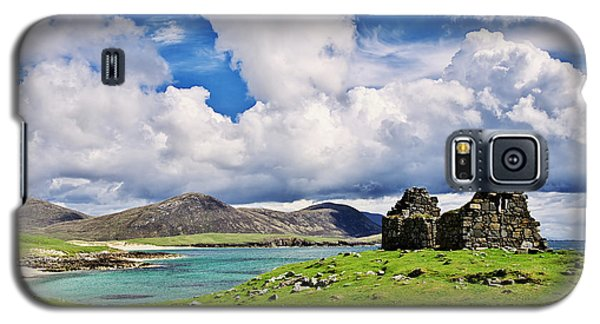 Galaxy S5 Case featuring the photograph A Sunny Day In The Hebrides by Juergen Klust