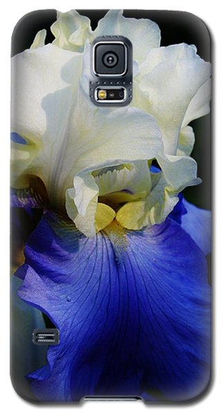 Galaxy S5 Case featuring the photograph A Touch Of Elegance by Bruce Bley