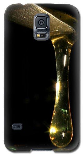 A Touch Of Honey.... Galaxy S5 Case by Tammy Schneider