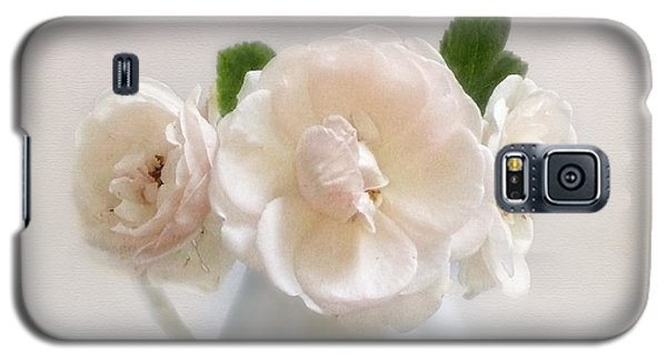A Trio Of Pale Pink Vintage Roses Galaxy S5 Case by Louise Kumpf