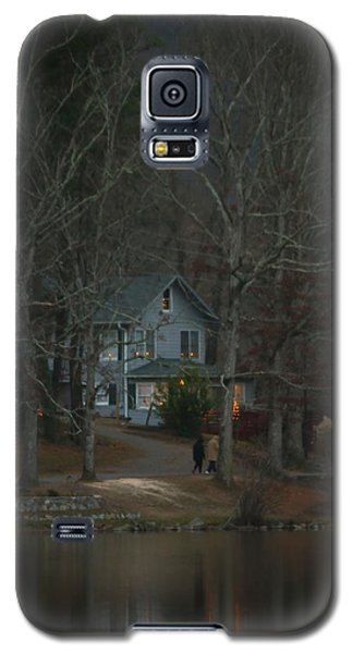 Galaxy S5 Case featuring the photograph A Winter Walk by Tammy Schneider