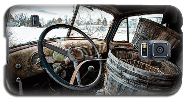 Galaxy S5 Case featuring the photograph Abandoned Chevrolet Truck - Inside Out by Gary Heller
