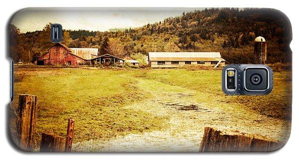 Abandoned Farm Galaxy S5 Case by Takeshi Okada