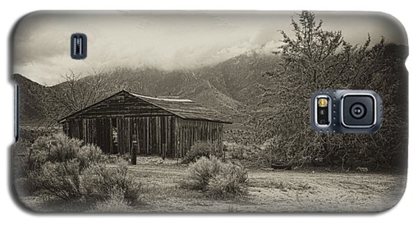 Galaxy S5 Case featuring the photograph Abandoned In The Sierras by Hugh Smith