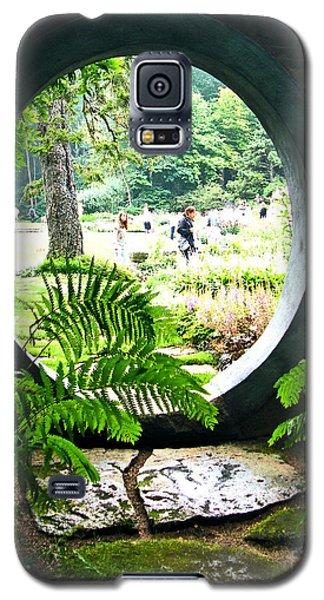 Galaxy S5 Case featuring the photograph Abby Aldrich Garden Portal by Lizi Beard-Ward