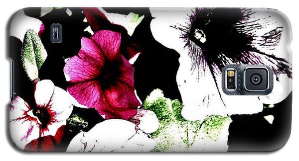 Abstract Petunias Galaxy S5 Case