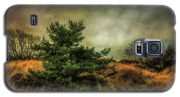 Galaxy S5 Case featuring the photograph Ainsdale Dunes In Winter by Brian Tarr