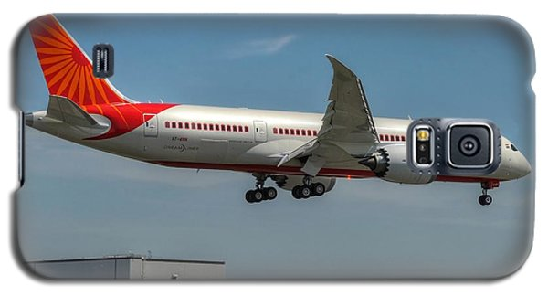 Galaxy S5 Case featuring the photograph Air India 787 by Jeff Cook