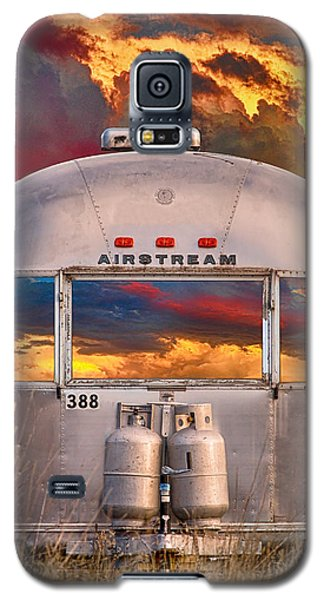 Airstream Travel Trailer Camping Sunset Window View Galaxy S5 Case