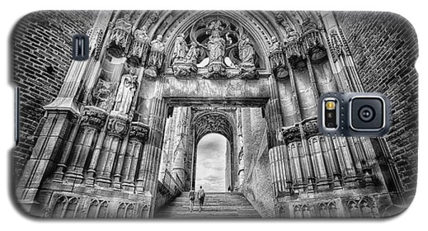 Galaxy S5 Case featuring the photograph Albi Cathedral Arch To Heaven Bw by Jack Torcello