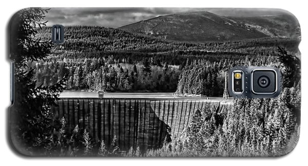 Galaxy S5 Case featuring the photograph Alder Dam Near Mt Rainer Wa by Ron Roberts