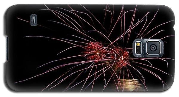 Alien Eyes - Fireworks At St Albans Bay Galaxy S5 Case