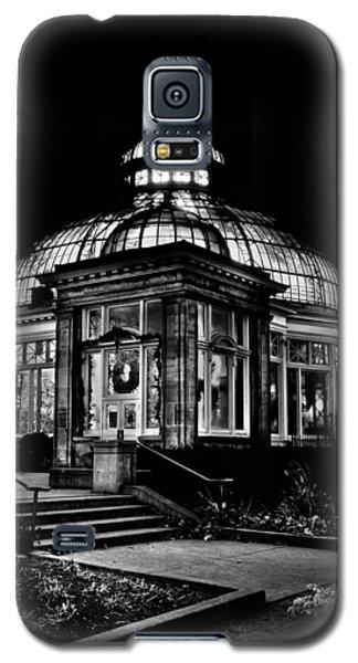 Allan Gardens Conservatory Palm House Toronto Canada Galaxy S5 Case by Brian Carson