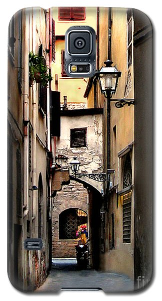 Galaxy S5 Case featuring the photograph Alley In Florence 1 by Jennie Breeze