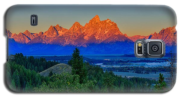 Alpenglow Across The Valley Galaxy S5 Case