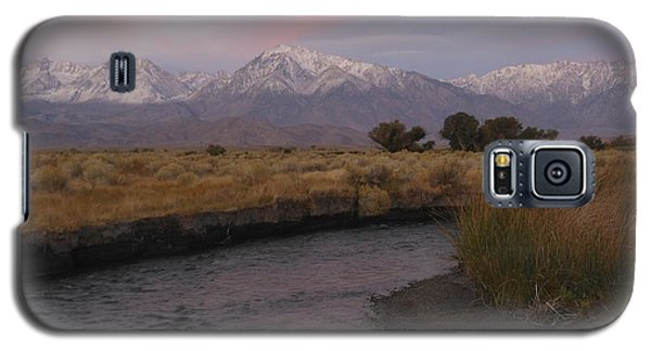 Alpenglow On Owens River Galaxy S5 Case