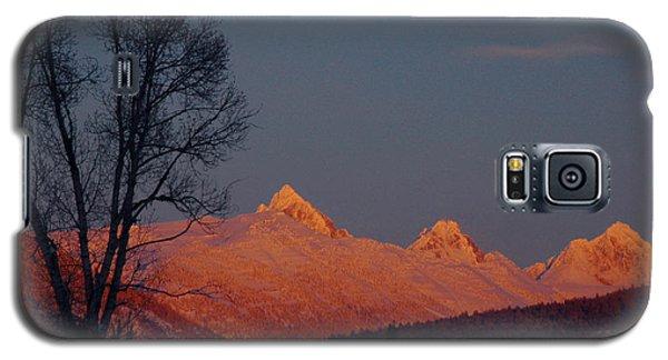 Galaxy S5 Case featuring the photograph Alpenglow by Raymond Salani III