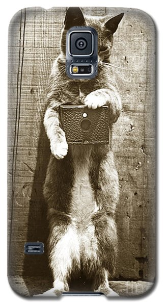 Galaxy S5 Case featuring the photograph Amateur Feline Fotografer Cat With A Box Camera  Historical Photo 1900 by California Views Mr Pat Hathaway Archives