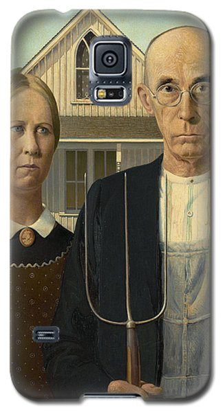 Galaxy S5 Case featuring the photograph American Gothic by Grant Wood