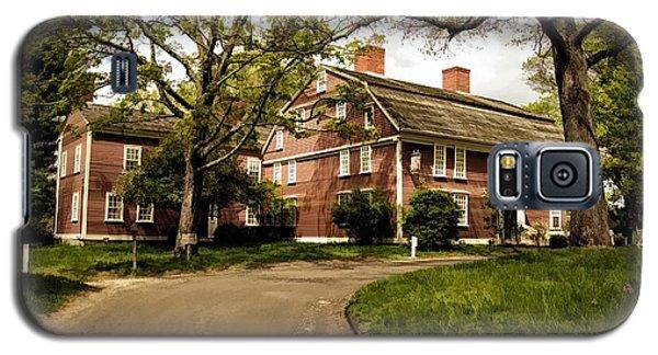 America's Oldest Inn Longfellow's Wayside Inn In Sudbury Massachusetts Galaxy S5 Case by Constantine Gregory