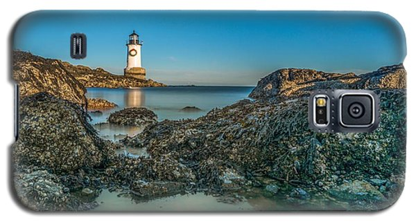 An Early Moon Over Fort Pickering Light Salem Ma Galaxy S5 Case