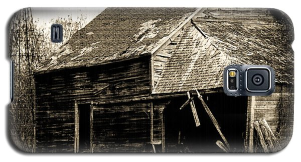 Galaxy S5 Case featuring the photograph An Era Past by Maggy Marsh