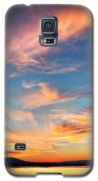 An Evening Fishing At Chester Frost Galaxy S5 Case by Steven Llorca