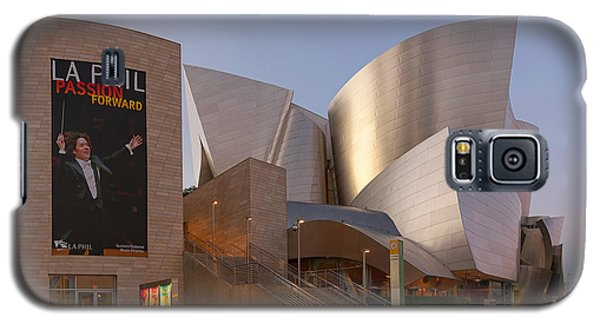 Galaxy S5 Case featuring the photograph An Evening With Gustavo - Walt Disney Concert Hall Architecture Los Angeles by Ram Vasudev