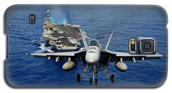 Galaxy S5 Case featuring the photograph An Fa-18 Hornet Demonstrates Air Power. by Paul Fearn