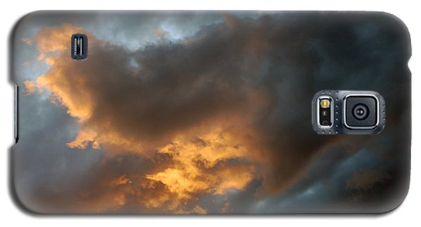 Galaxy S5 Case featuring the photograph .....an Ill Wind That Blows by Allen Carroll