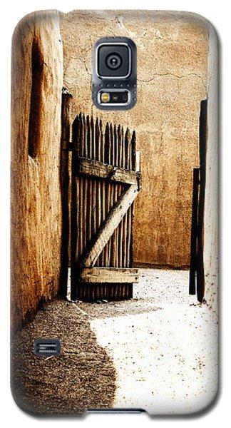 An Open Gate Galaxy S5 Case