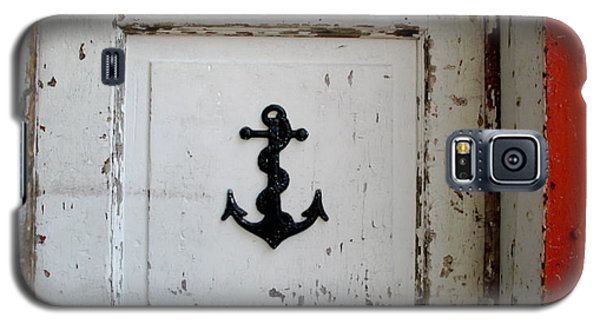 Galaxy S5 Case featuring the photograph Anchor On Old Door by Kathy Barney