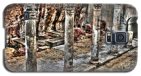 Galaxy S5 Case featuring the photograph Ancient Roman Columns In Israel by Doc Braham