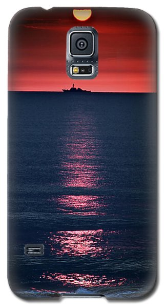 And All The Ships At Sea Galaxy S5 Case by Tom Mc Nemar