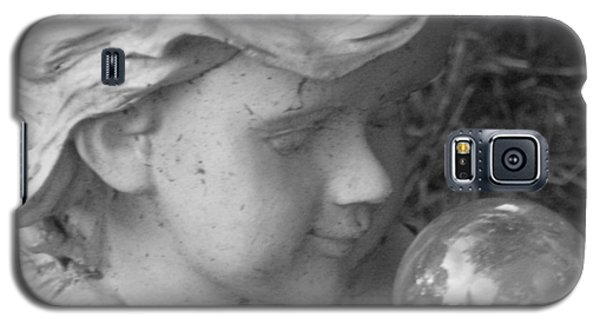 Galaxy S5 Case featuring the photograph Angelic Gaze by Bruce Carpenter