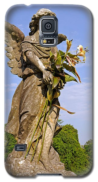 Galaxy S5 Case featuring the photograph Angel's Bouquet by Andy Crawford