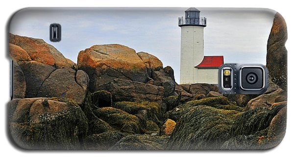 Galaxy S5 Case featuring the photograph Annisquam Harbor Light Station by Dan Myers