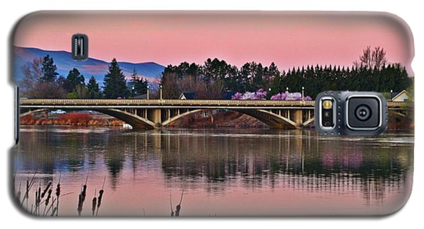 Galaxy S5 Case featuring the photograph Another Pink Morning 2 by Lynn Hopwood