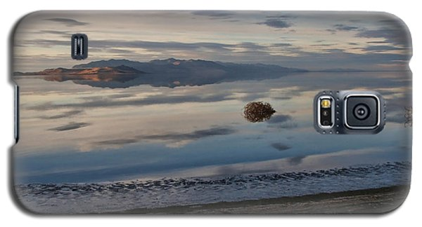 Galaxy S5 Case featuring the photograph Antelope Island - Lone Tumble Weed by Ely Arsha