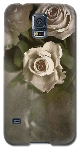 Galaxy S5 Case featuring the photograph Antique Roses by Annie Snel