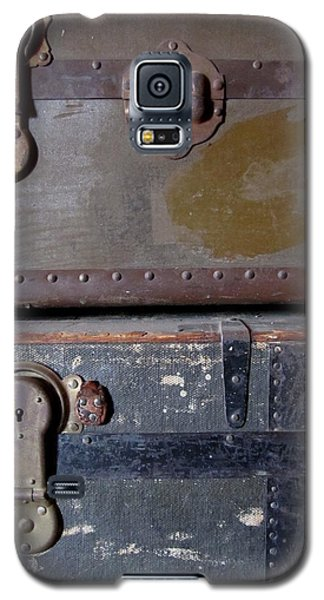 Antique Trunks 5 Galaxy S5 Case