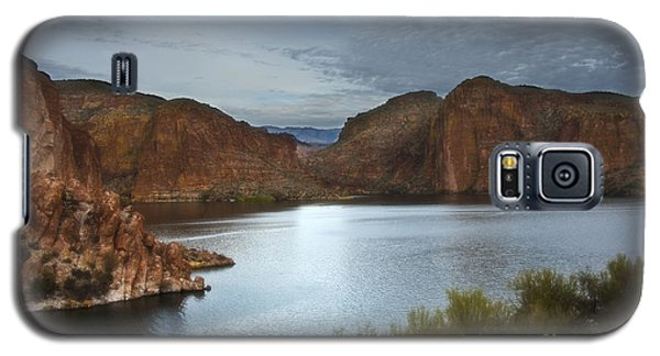 Apache Trail Canyon Lake Galaxy S5 Case by Lee Craig