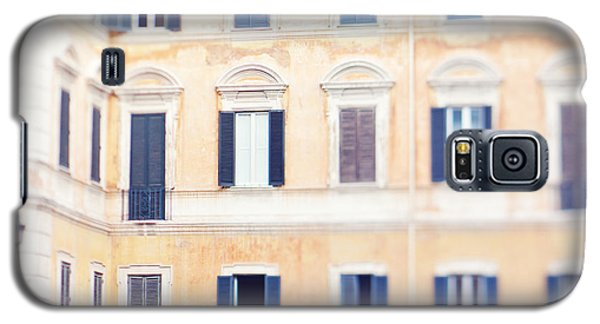 Apartment Windows In Rome Galaxy S5 Case by Kim Fearheiley
