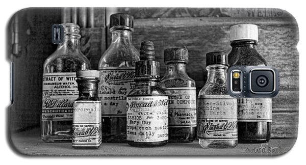 Apothecary Bw Galaxy S5 Case by Laurinda Bowling