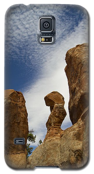 Galaxy S5 Case featuring the photograph Arches 48 by Tom Kelly