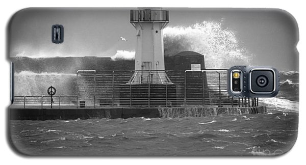 Ardrossan Lighthouse Versus The Sea Galaxy S5 Case