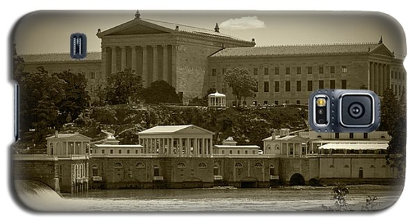 Art Museum And Fairmount Waterworks - Bw Galaxy S5 Case by Lou Ford
