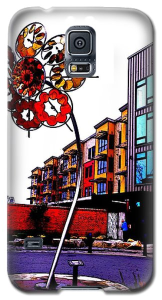 Galaxy S5 Case featuring the photograph Art On The Ave by Sadie Reneau