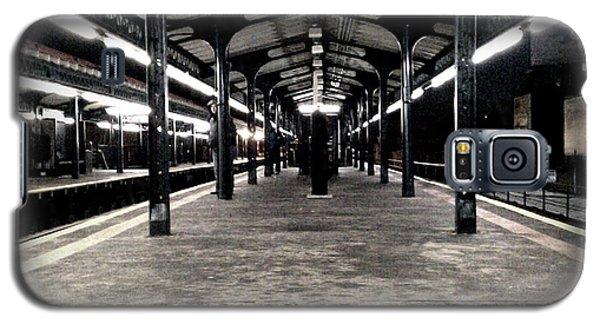 Galaxy S5 Case featuring the photograph Astoria Boulevard by James Aiken