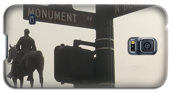 Galaxy S5 Case featuring the photograph at Monument and Boulevard by Nancy Dole McGuigan